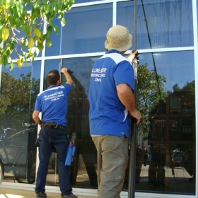 all-weather-window-cleaning-team